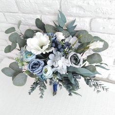 Bouquet Bleu, Bridal Bouquet Blue, Blue Bridal, Bridal Flowers, Flower Bouquet Wedding, Bridesmaid Bouquet, Bridesmaids, Navy Wedding Flowers, Eucalyptus Bouquet