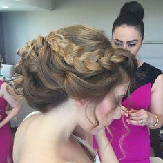 #gelinsaç #gelinsaçmodelleri #düğün #saçmodelleri http://xn--gelinsamodelleri-ipb.com/2015/08/30/orgu-topuz-gelin-sac-modelleri/10