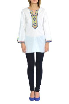 KAS PETULA...Petula is a KAS classic. A straight tunic with eye-catching embroidery along the neckline. This is great when paired with skinny pants !