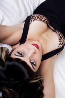 Meet Ali Catt and vote for her in the PinUp Pageant. photography by: www.istybitsyphotography.com