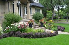 Edmonton Landscape Design Ideas, Pictures, Remodel and Decor Tropical Pool Landscaping, Texas Landscaping, Small Front Yard Landscaping, Garden Landscaping, Landscaping Ideas, Landscape Design, Garden Design, Small Front Yards, Traditional Landscape