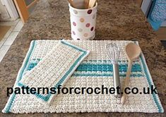 Kitchen towel and dishcloth, made in 100% 4ply/fingering cotton. Lovely textured stitch easy to follow free crochet pattern.