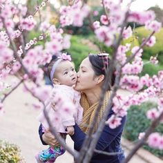 It may be autumn here in Canada but it's spring in Australia! What a lovely shot of a mama and her baby amongst the cherry blossoms.  // #Repost  : @gesalita Mother and child  // #flowers #cherryblossoms #momandbaby #babysnuggles #momlife #nature #pinkflowers #motherhood #momentslikethese #theyreonlylittleonce #sweetbaby #babiesofIG #momresourceca