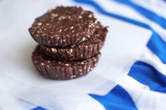 Raw Chocolate & Peanut Butter Cups
