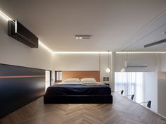 Gallery of Light and Lines / PENY HSIEH INTERIORS - 13