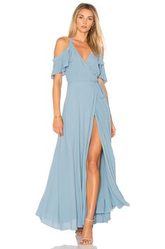 A great spring wedding guest dress or jumpsuit is the foundation to any fantastic wedding guest outfit for spring weddings. Here we have updated picks for what to wear for the spring 2020 wedding season! 30 Tag, Beach Wedding Guests, Beach Wedding Outfit Guest, Casual Wedding, Wedding Dress, Cocktail Bridesmaid Dresses, Quoi Porter, Marine Uniform, Different Dresses
