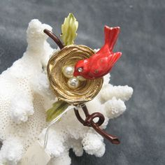 Vintage Trembler Brooch Florenza Red Bird on Nest.