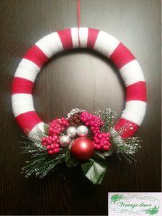 Candy cane wreath. Candy Cane Wreath, Winter's Tale, A Christmas Story, Christmas Wreaths, Holiday Decor, Handmade, Home Decor, Navidad, Christmas Swags