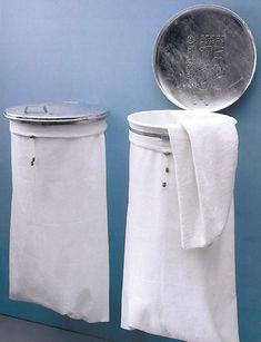 Maak zelf een stoere wasmand van verzinkt metaal en witte wafelstof.