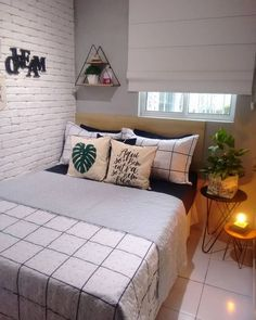32 Cozy Decor Everyone Should Try This Year interiors homedecor interiordesign homedecortips What's Decoration? Decoration is the art of decorating … Interior Decorating Styles, New Interior Design, Small Room Bedroom, Home Decor Bedroom, Small Bedrooms, Guest Bedrooms, Easy Home Decor, Home Decor Trends, Pastel Design