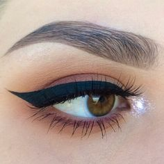 Eye Tracer in the air 31 Winged Looks Ideas 31 fa parte della galleria fotografica Winged Eyeliner Looks Ideas . Per scaricare questo Winged Eyeliner , sembra 31 in al. Eyeliner Looks, No Eyeliner Makeup, Kiss Makeup, Winged Eyeliner, Natural Eyeliner, Eyeshadow, Pretty Makeup, Love Makeup, Makeup Inspo