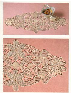 Fiber Art Reflections: Oval mat with large flowers - Romanian Point Lace Crochet Crochet Doily Patterns, Macrame Patterns, Crochet Doilies, Crochet Lace, Crochet Cord, Crochet Needles, Russian Crochet, Irish Crochet, Romanian Lace