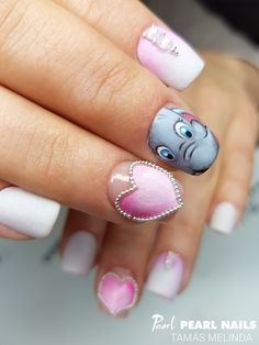 Tamás Melinda cuki Valentin-ihletésű munkája. :-) Cute nails made by Melinda Tamás