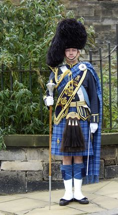 RAF Drum Major.  Picture taken at Edinburgh prior to the Pipes and Drums heading the route liners for the opening of the Hollyrood Scottish Parliament building by HM The Queen.