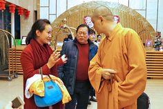 Мастер Сюй Минтан прибыл в китайскую деревню долгожителей - Баму (Гуанси-Чжуанский автономный округ, Китай).