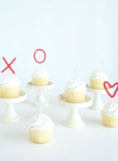 15 DIY wedding cake toppers: ideas to take your budget wedding cake to the next level! - Wedding Party