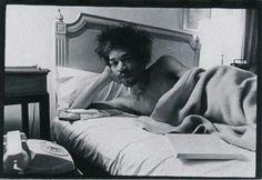 Jimi Hendrix - photo by Diane Arbus - 1969 Diana Arbus, Berenice Abbott, New York School, Circus Performers, Lee Friedlander, Transgender People, Music Photo, Documentary Photography, Popular Music