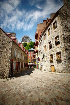 Quebec City, Canada, is on my travel bucket list. Doesn't the old city look charming? Quebec Montreal, Old Quebec, Quebec City, Cool Places To Visit, Great Places, Beautiful Places, Amazing Places, O Canada, Canada Travel