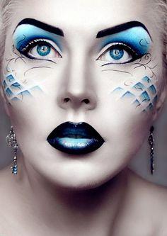 le plus beau maquillage artistique pour vos yeux bleus