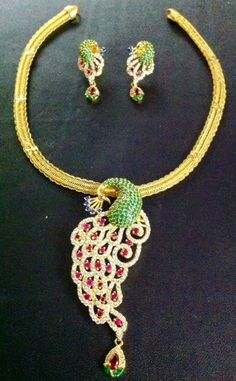 Jewellery Designs: Gold Necklace with Peacock Locket