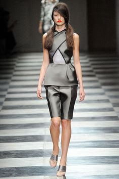 Prada Spring 2010 Ready-to-Wear Collection Slideshow on Style.com