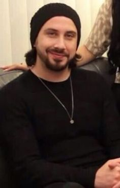 Avi, will you marry me? I love this man. :)