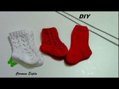 Knit Shoes, Crochet Baby Shoes, Baby Knitting Patterns, Crochet Patterns, Knit Baby Dress, Knit Stockings, Learn How To Knit, Sewing For Kids, Crochet Designs
