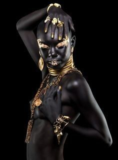 """BRAZIL: FASHION PHOTOGRAPHY: GUTO ESTEVES Guto Esteves is a Salvador, Brazil based photographer who desired to create a bold visual for this jewelry editorial. Alongside makeup artist Doda Guedes, they transformed a nude model, causing """"the gold and. African Beauty, African Women, African Art, African Fashion, Black Women Art, Beautiful Black Women, 3d Foto, Or Noir, Black Gold Jewelry"""