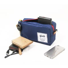 Big Pouch Berfungsi untuk menyimpan gadget, toiletries, stationary, dll dengan dimensi panjang: 25cm lebar: 8,5 cm Tinggi: 13,5 cm bahan CORDURA® , syintethic leather, YKK Zipper Ready stock dalam warna (Merah, Abu-abu, Navy Blue, Hitam) Contact: 085721130293, line:sfkauto, pin:5F0CC6E4, email: info@sfkauto.com & sfk.auto@gmail.com Jalan Rangga Malela no.13 (Rangga Point) Bandung Open Monday-Saturday.10.00-19.00