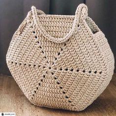 Crochet Tote, Crochet Handbags, Crochet Purses, Crochet Doilies, Knit Crochet, Crochet Girls, Crochet Bag Tutorials, Crochet Basics, Crochet Patterns