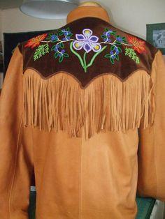 Native American Beadwork, Native American Art, Beading Patterns, Beading Ideas, Beadwork Designs, Native Design, Beaded Jacket, Indian Patterns, Western Outfits