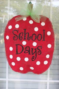 pics of back to school burlap door hangers Burlap Projects, Burlap Crafts, Cute Crafts, Fall Crafts, Crafts To Make And Sell, Diy And Crafts, Burlap Door Hangings, School Wreaths, Painting Burlap
