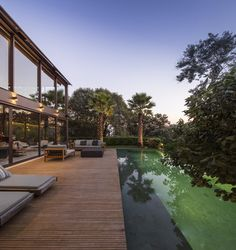Limantos Residence in Sao Paulo / Fernanda Marques Arquitetos Associados