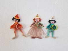 Quilling Clowns Pro Clown 6 € Maße 9 x 5 cm Quilling, Clowns, Drop Earrings, Jewelry, Art, Sculptures, Random Stuff, Bedspreads, Art Background