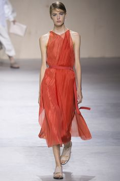 Trend: Cinched Waist, Orangey Red, Midi Length, and Pleats // Boss Spring 2016 Ready-to-Wear Fashion Show - Natalie Westling