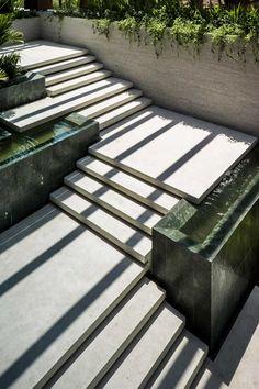 garden steps | terraced garden | concrete