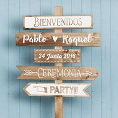 Carteles para tu boda by Innovias Posters for your wedding by Innovias - Innovias Wedding Signs, Diy Wedding, Rustic Wedding, Dream Wedding, Wedding Direction Signs, Decoration Evenementielle, Art Deco Jewelry, Holidays And Events, Perfect Wedding