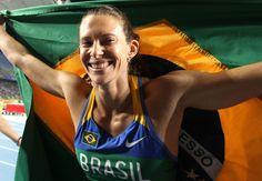 Fabiana de Almeida Murer é uma atleta brasileira, campeã mundial, recordista brasileira e sul americana do salto com vara. O recorde sul-americano foi quebrado em San Fernando em 4 de junho de 2010, durante a disputa do Campeonato Ibero-Americano.
