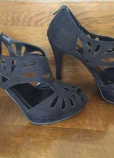 Kaufe meinen Artikel bei #Kleiderkreisel http://www.kleiderkreisel.de/damenschuhe/hohe-schuhe/137224312-schicke-schwarze-high-heels-mit-9cm-absatz-tiptoe