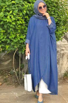 Hijab Fashion Inspiration, Trend Fashion, Abaya Fashion, Fashion Dresses, Modesty Fashion, Muslim Women Fashion, Islamic Fashion, Estilo Abaya, Hijabi Gowns