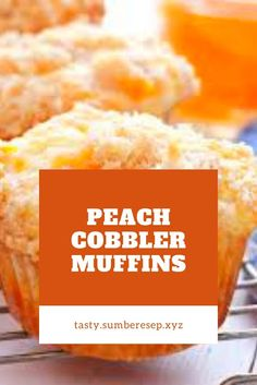 These Peach Cobbler Muffins are the perfect sweet snack! This is such an easy recipe that taste's just like Grandma's peach cobbler! Apple Dessert Recipes, Apple Recipes, Cheesecake Recipes, Muffin Recipes, Peach Muffins, Canned Peaches, Strawberry Recipes, Chocolate Recipes, Easy