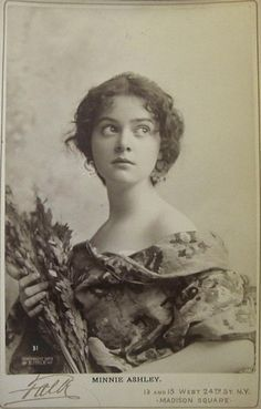 "New york fashion 583708801682907259 - Beautiful portrait! ""Minnie Ashley – actress, singer, dancer (New York City – Source by omiopapapa Antique Photos, Vintage Pictures, Vintage Photographs, Old Pictures, Vintage Images, Old Photos, Vintage Photos Women, Vintage Abbildungen, Vintage Beauty"