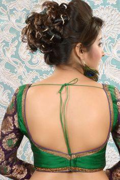 Saree Petticoat, Simple Sarees, Saree Blouse Patterns, Blouse Neck Designs, Sexy Blouse, Plus Size Bikini, Most Beautiful Indian Actress, Silk Brocade, Indian Beauty Saree