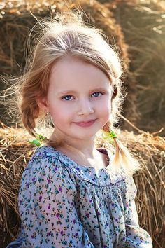 Pretty as a picture and cute as a button Cute Young Girl, Cute Baby Girl, Cute Babies, Baby Kids, Precious Children, Beautiful Children, Beautiful Babies, Kids Around The World, Natural Blondes