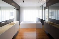 Pitsou Kedem Architects have recently completed a beautiful and crisply detailed minimalist single-family residence interior, Tel Aviv Penthouse 2 in . Wood Bathroom, Modern Bathroom, Pitsou Kedem, Boffi, Modern Baths, Bathroom Interior Design, Bathroom Designs, Interior Inspiration, Interior Architecture