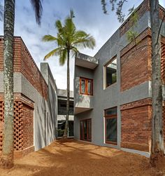 Shreyas Retreat / The Purple Ink Studio, © Shamanth Patil J Masonry Work, Brick Masonry, Concrete Bricks, Exposed Concrete, Brick Facade, Exposed Brick, Brick Houses, Brick Architecture, Indian Architecture