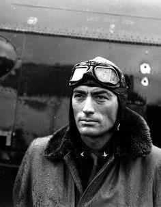 """Gregory Peck en aviateur pour le film """"Twelve o'clock high"""" - 1950"""