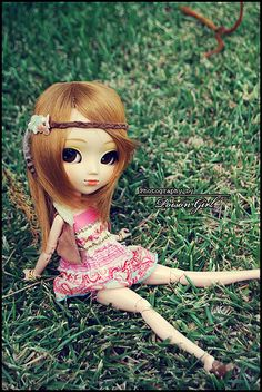 Hachi - Pullip Nina | ** Relaxing in the grass ** | Poison Girl | Flickr
