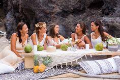 Girls just wanna have fun and live in a fairytale!!  Ahhaha Superbe photoshoot avec @tiara_photographie  @mademoizelle_pauline pour la scenographie mise en beauté @anaispiccioli tenues @jordaneloo et les jolies copines @stephanielabrousse @agaellerun  Mathilde et Audrey! #piquenique #boheme #evjf #pineapples #lareunion #iledelareunion #reunionisland #beach #friendship #bridetobe #bridesmaids #coconut #islandlife #tropical #inspiration #wedding #hippie #gypsy #gypset #laugh #love #instalove…