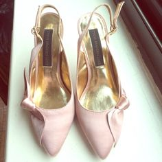 Steve Madden Luxe- champagne pink pumps Steve Madden Luxe - chic, sexy, and classic are all in one! Bonded leather outsole for comfort. Absolutely love the champagne pink color! Almost new (only worn once). Come and get it! Steve Madden Shoes Heels